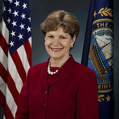 Jeanne_Shaheen,_official_Senate_photo_portrait,_2009-400x400