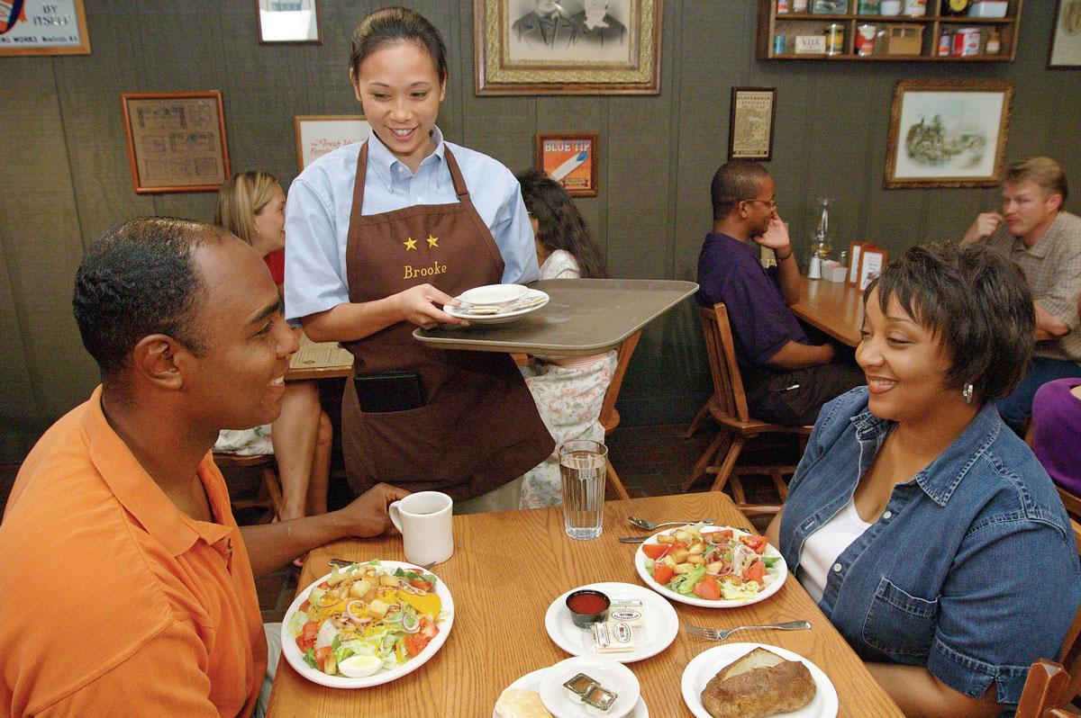 waitressing at cracker barrel gator allegheny college cracker barrel couple eating
