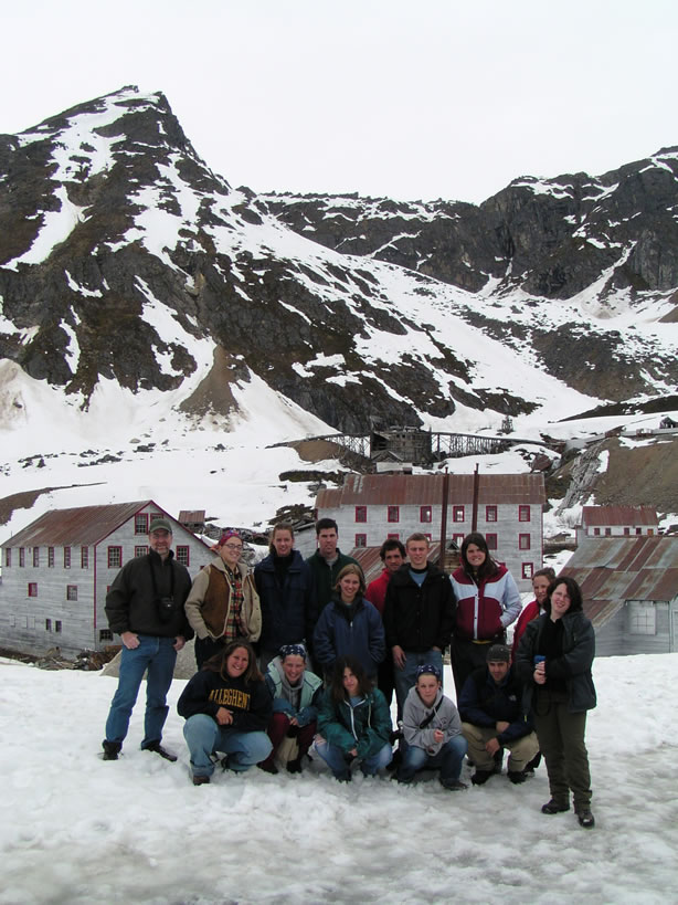 Independence Gold Mine - Allegheny group from Alaska travel seminar, 2003