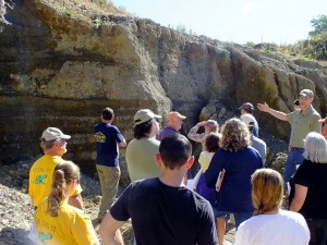 Alistair Macdonald '83 leads a discussion during the geology alumni field trip.