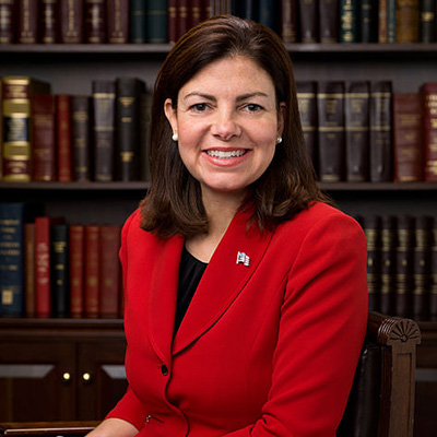 Kelly_Ayotte,_Official_Portrait,_112th_Congress_2-400x400