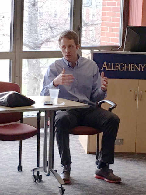Hartford Speaks to Students About Career, Value of Allegheny